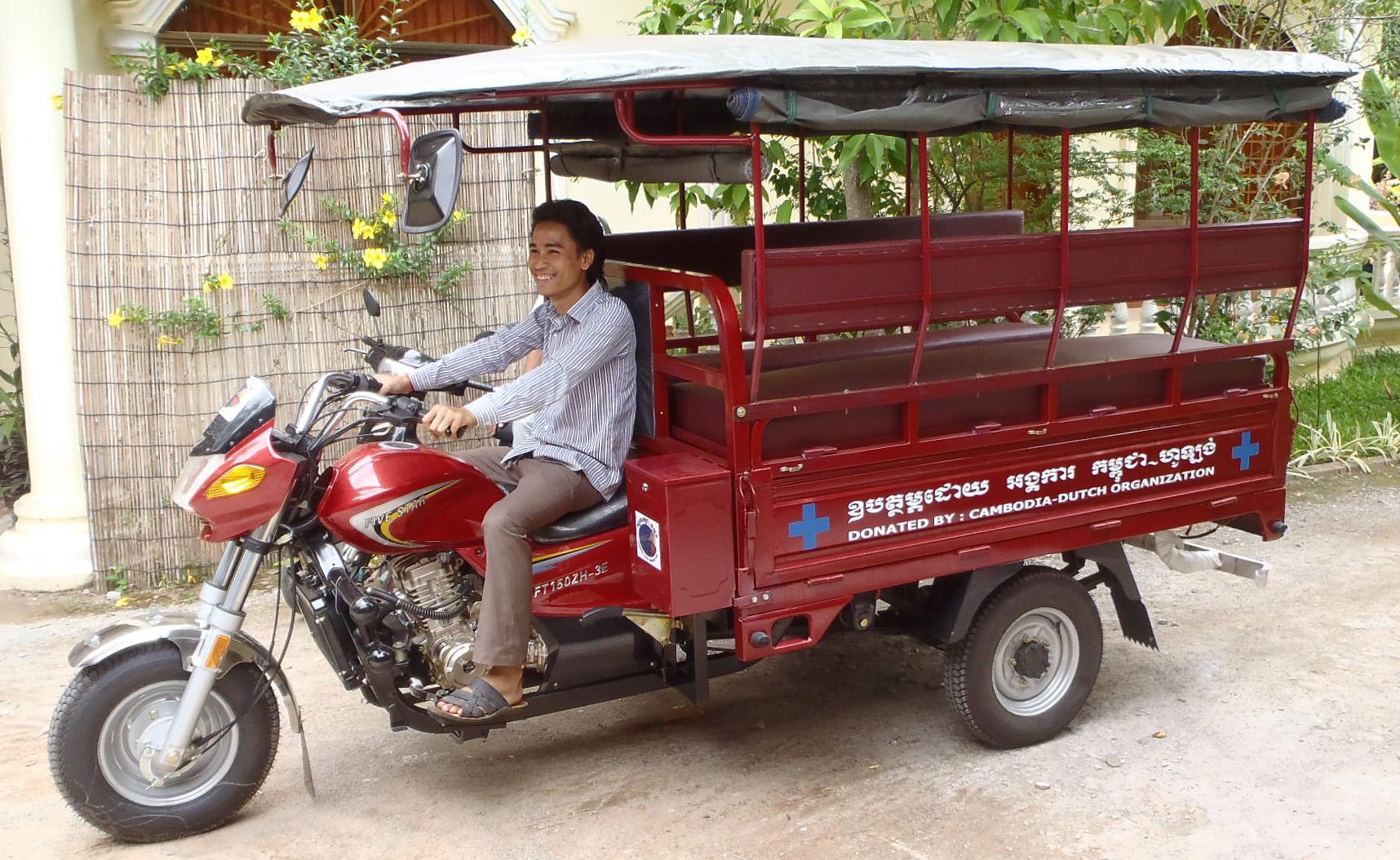 Tuk-tuk Ambulance voor Cambodia
