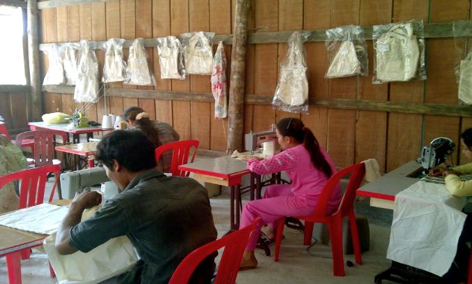 De eerste studenten van ons nieuw naaiatelier