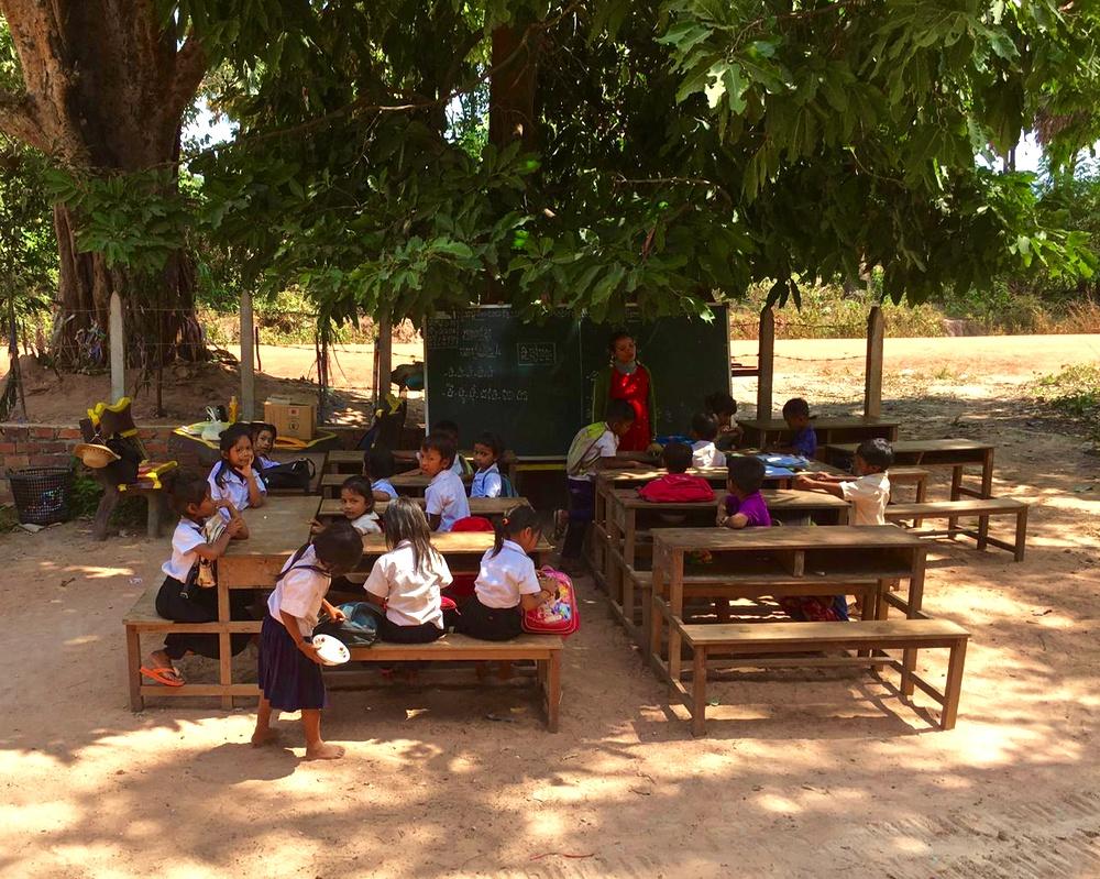 Bouw school in Samroang gestart