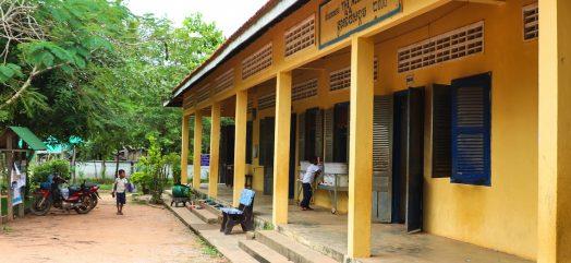 Dak schoolgebouw